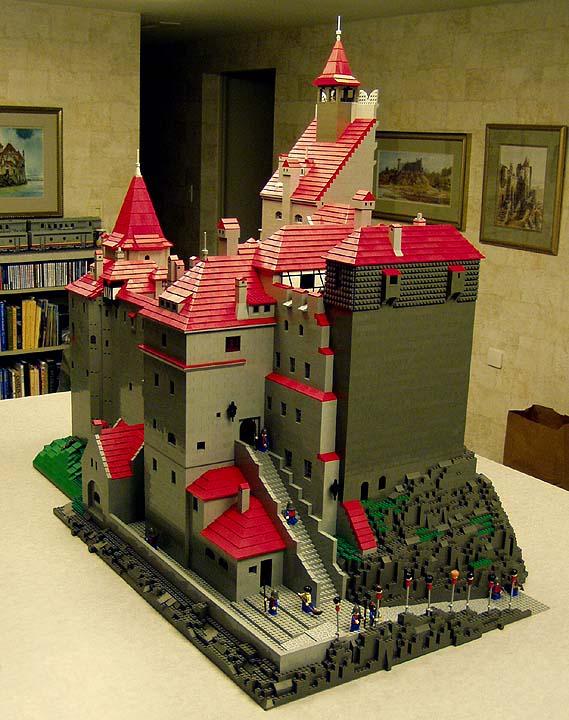 Build     Stoker